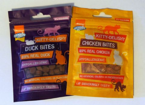 CAT TREATS KITTY DELISHY BITES - CHICKEN OR DUCK